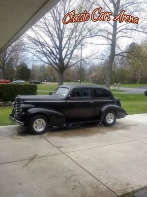 Classic cars arena for 1938 oldsmobile 2 door sedan